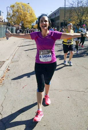 Mia Byrne at Chicago Marathon